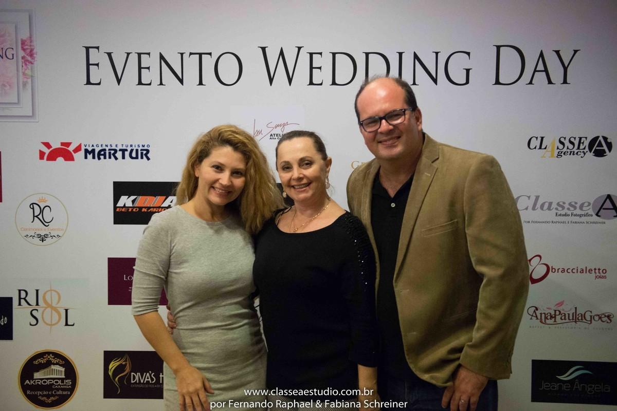 Fabiana Schreiner, Selia Dambros e Fernando Raphael no salão de noivas e festas wedding day