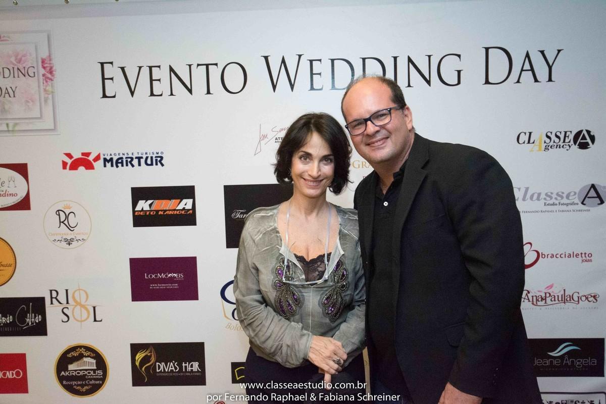Claudia Matarazzo e Fernando Raphael no salão de noivas e festas wedding day