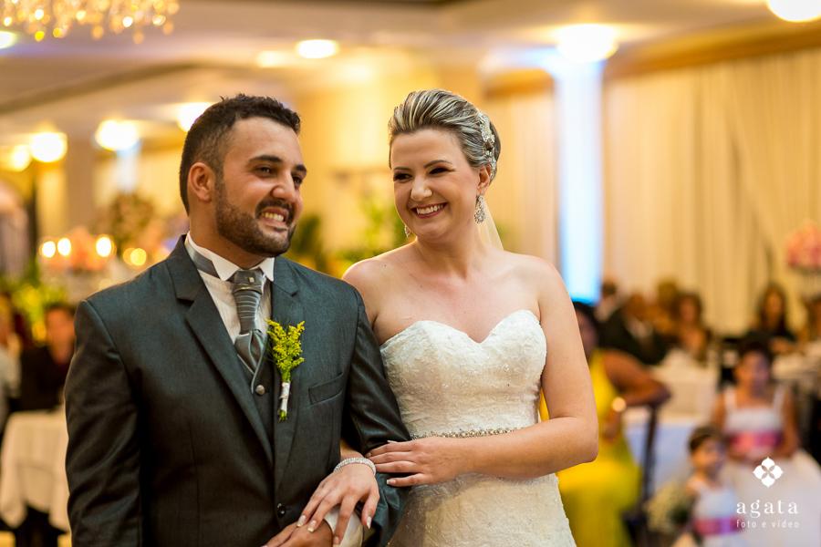 Troca de olhar dos noivos