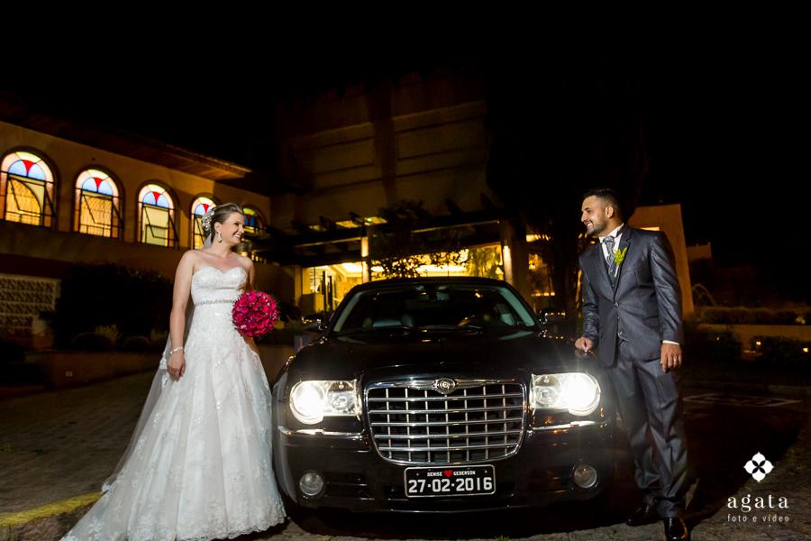 O carro dos noivos
