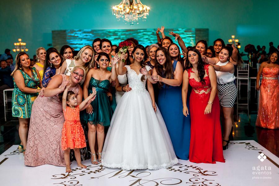 A noiva vai jogar o bouquet