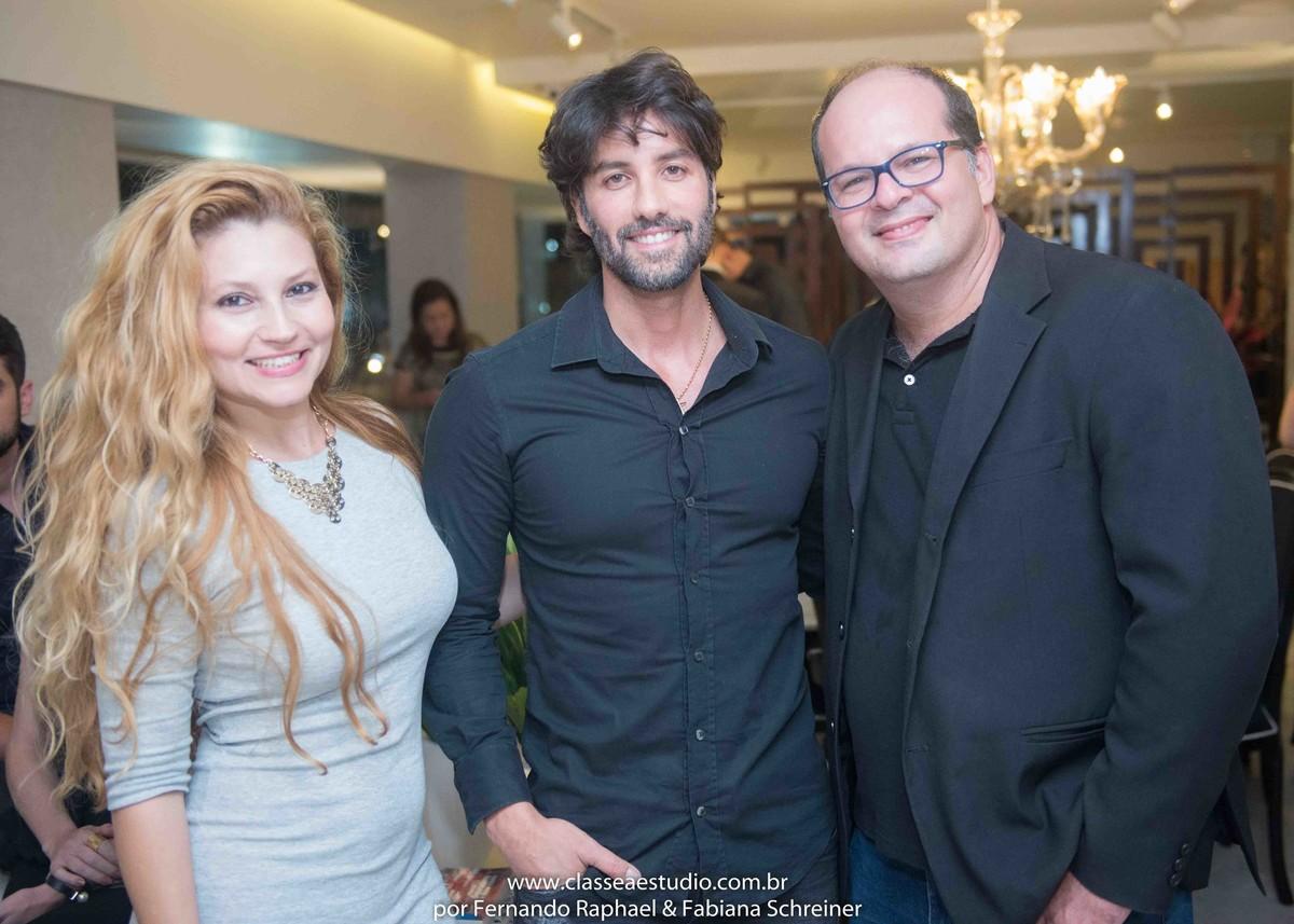 Fernando Raphael, Fabiana Schreiner e Andre Caricio