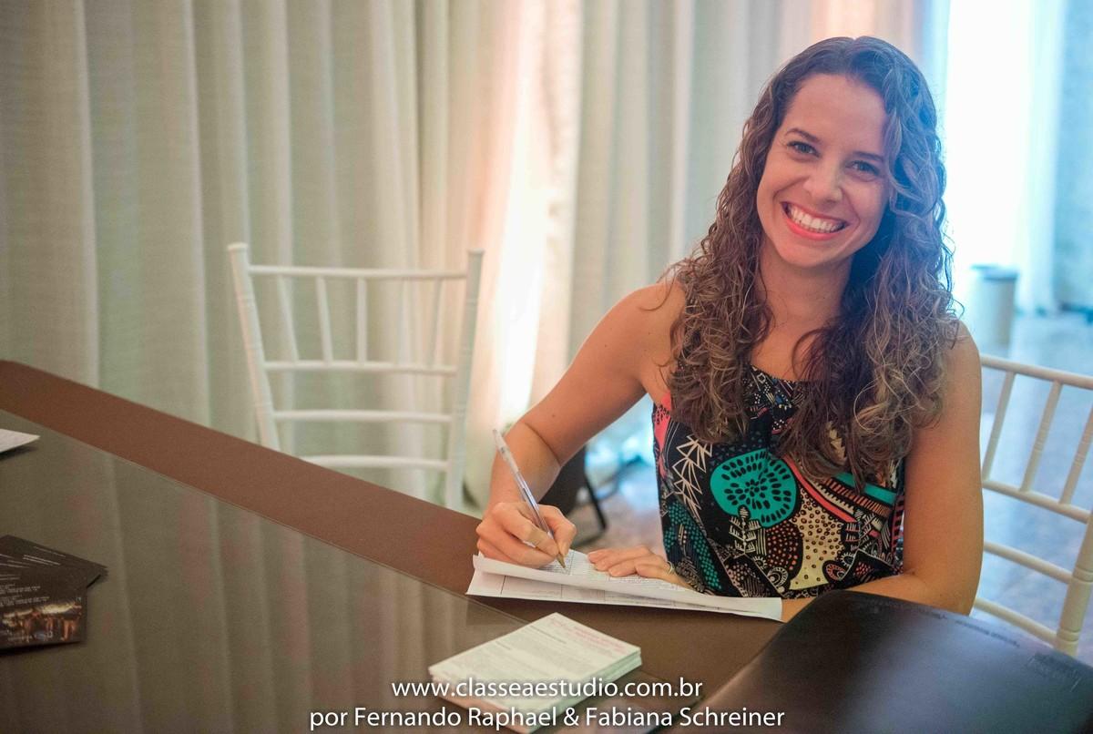 A cerimonialista Lenne Cunha no workshop para cerimoniais wedding day