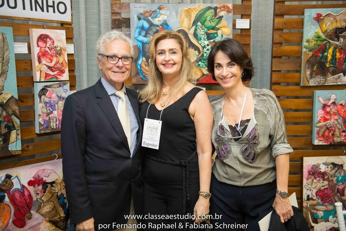 Exposição de quadros de Vânia Coutinho com Claudia Matarazzo e Mario Ameni no salão de noivas e festas wedding day