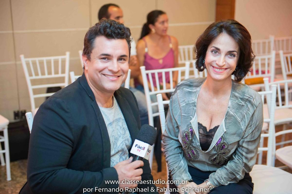 Silvio Romero da Individual Model e revista fácil com Claudia Matarazzo no salão de noivas e festas wedding day