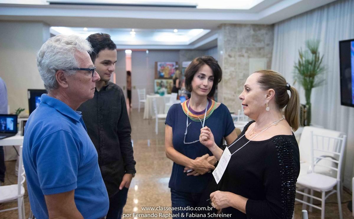 Mario Ameni, Matheus Sisnando, Claudia Matarazzo e Selia Dambros no salão de noivas e festas wedding day