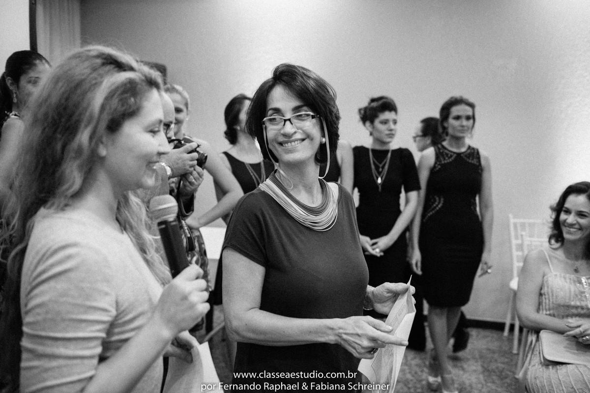 Fabiana Schreiner e Claudia Matarazzo durante o desfile da Braccialetto joias no salão de noivas e festas wedding day