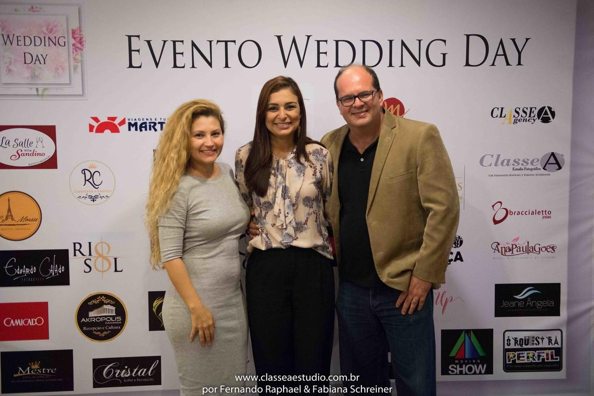 Fabiana Schreiner, Zaine da Braccialetto Jóias e Fernando Raphael no salão de noivas e festas wedding day