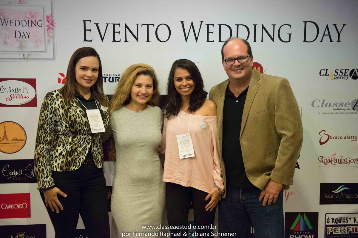 Renata da RC Cerimonial, Fabiana Schreiner, Rafaela da Up Assessoria e Fernando Raphael no salão de noivas e festas wedding day