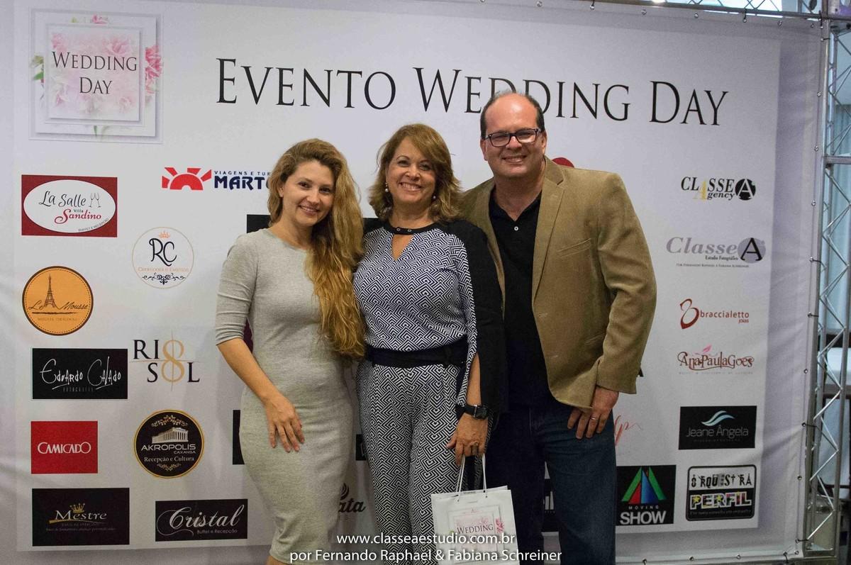 Fabiana Schreiner, Valeria da Unipress convites finos e Fernando Raphael no salão de noivas e festas wedding day