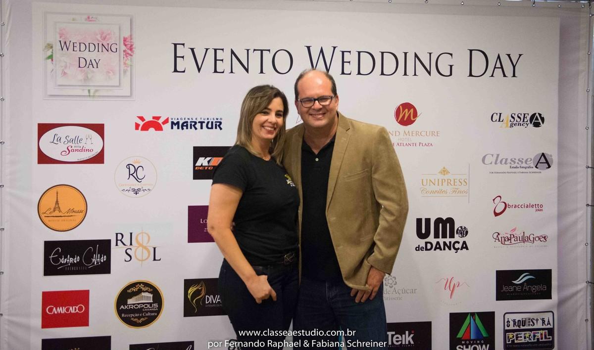 Ana da Mestre das Alianças e Fernando Raphael no salão de noivas e festas wedding day