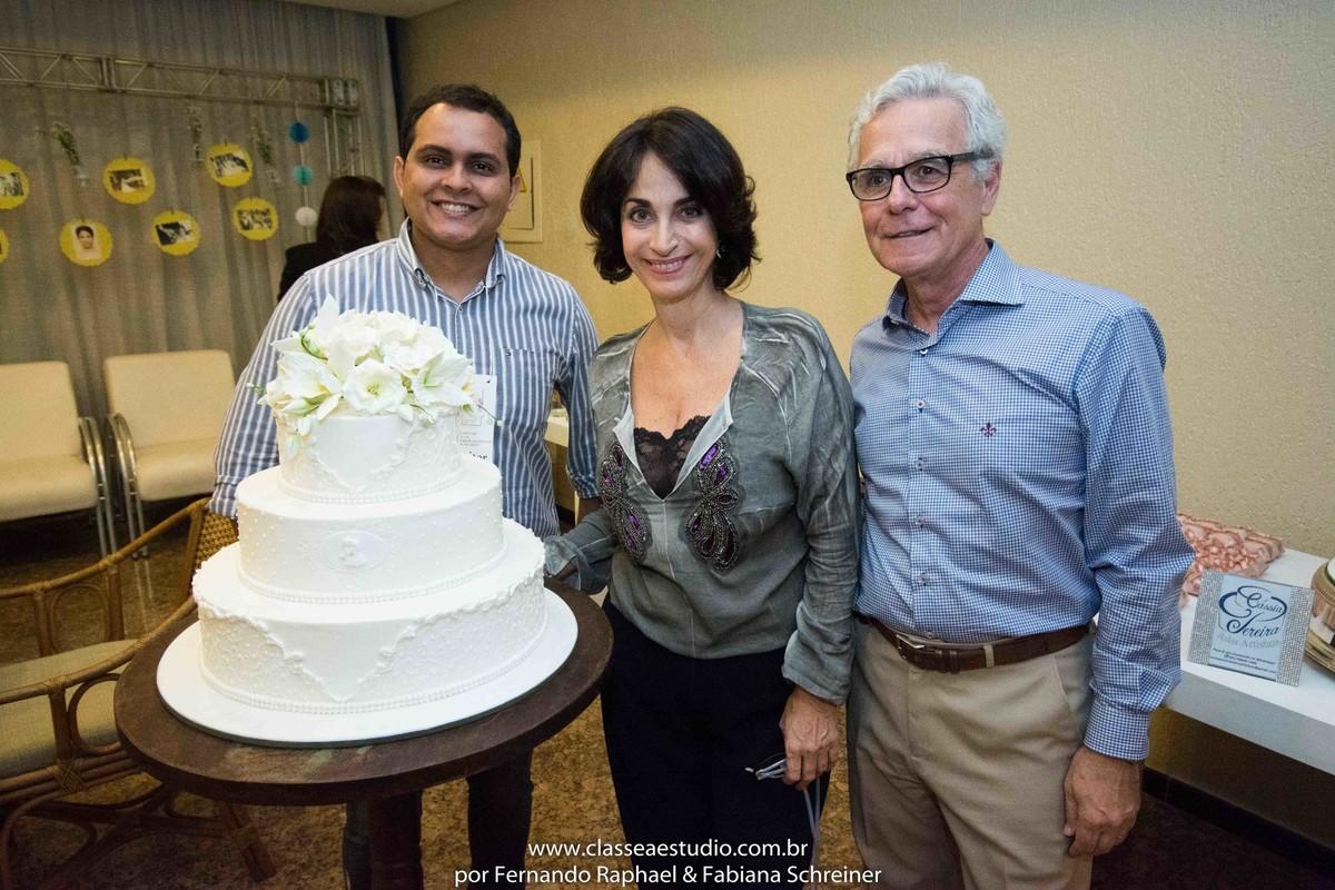 Caio Pereira de Cassia Pereira Bolos Artísticos, Claudia Matarazzo e Mario Ameni no salão de noivas e festas wedding day