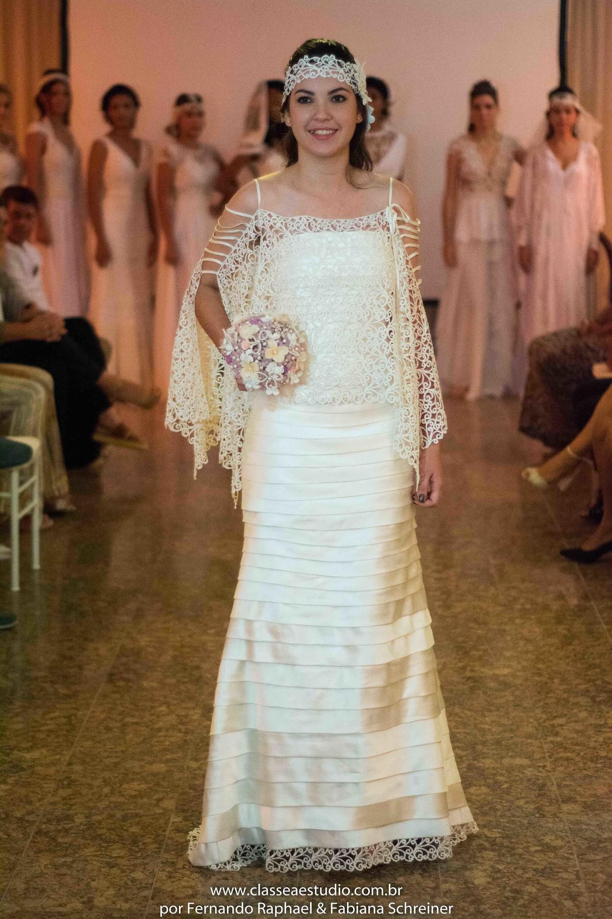 desfile de moda noiva no evento wedding day do estilista Jan Souza