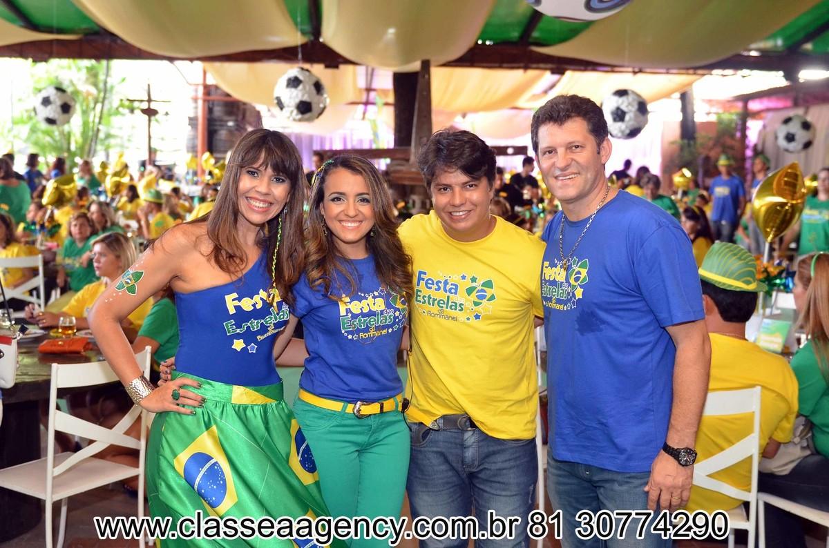 Sabrina, Jo, Alcindo Marsaro e Leo na festas das estrelas da Rommanel