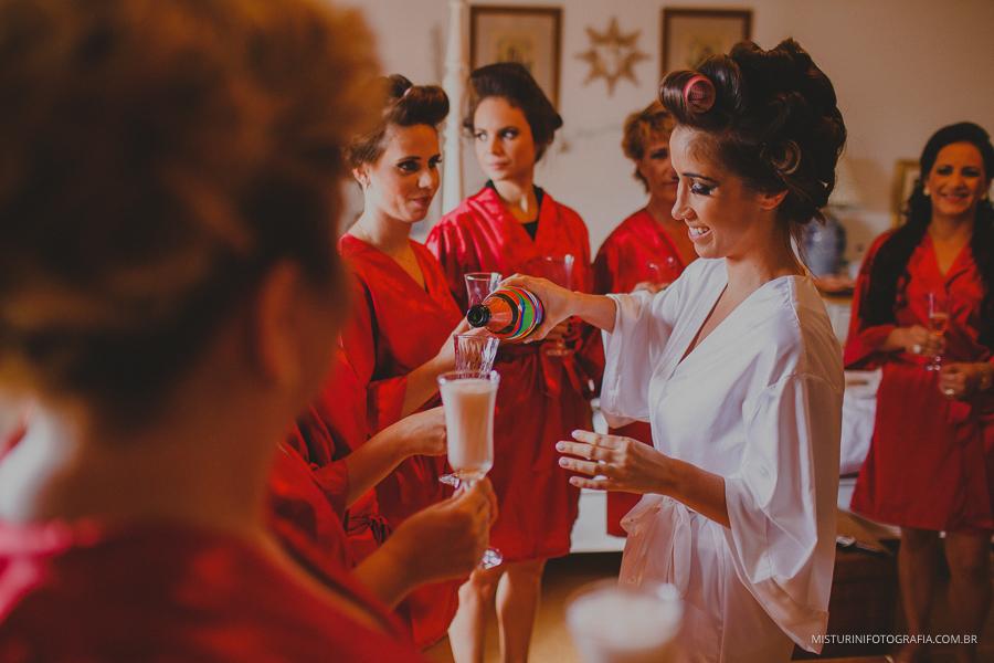 brinde com as madrinhas da noiva casamento em monte verde MG