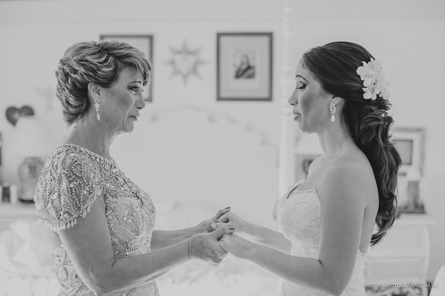 destination wedding mae e filha noiva casamento no campo