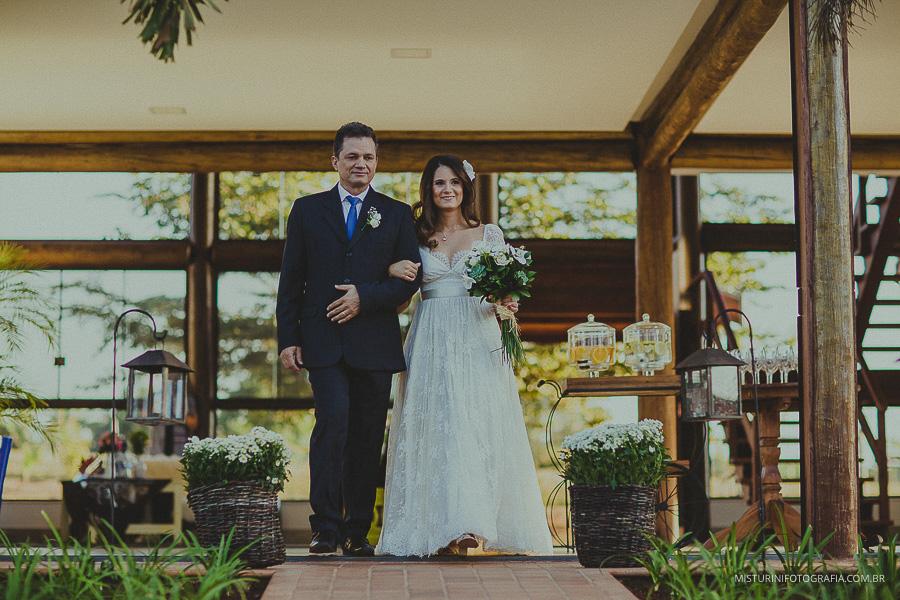 entrada da noiva linda