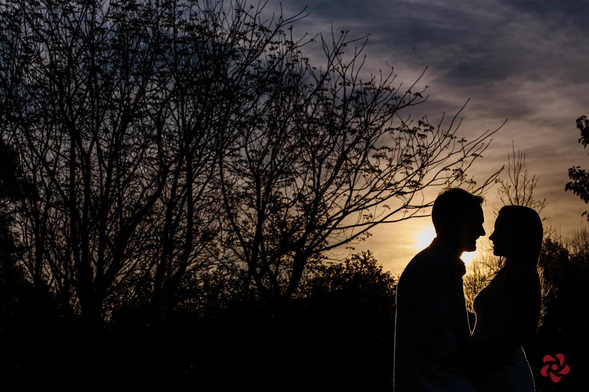 Pré casamento ao pôr do sol