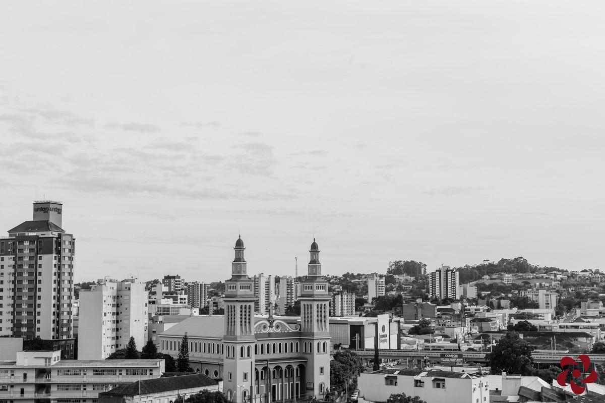 Foto em preto e branco da vista da janela do apartamento da cidade de Novo Hamburgo no Rio Grande do Sul