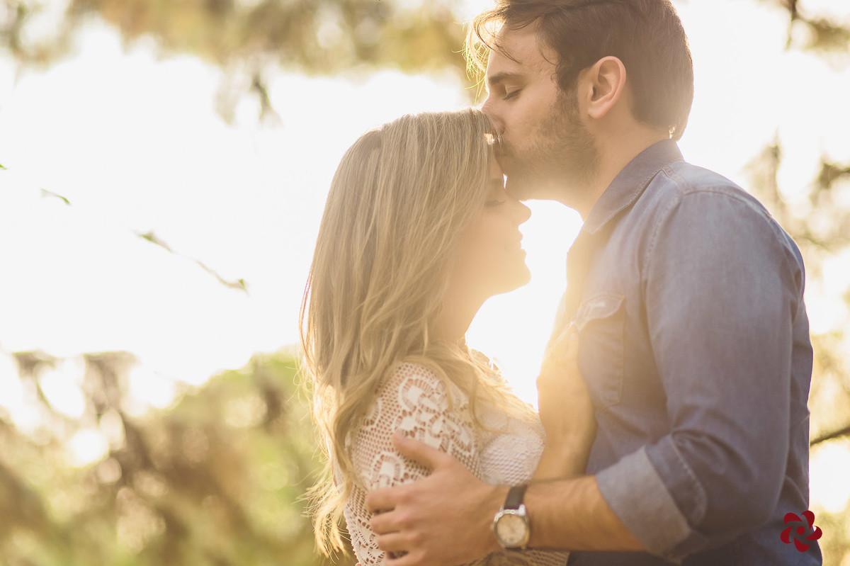 Thiago beijando a tenta da Gabriela
