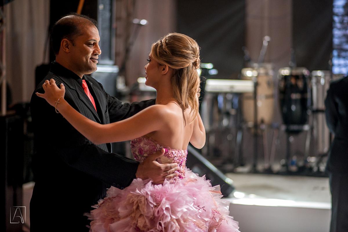 dança da debutante com seu pai