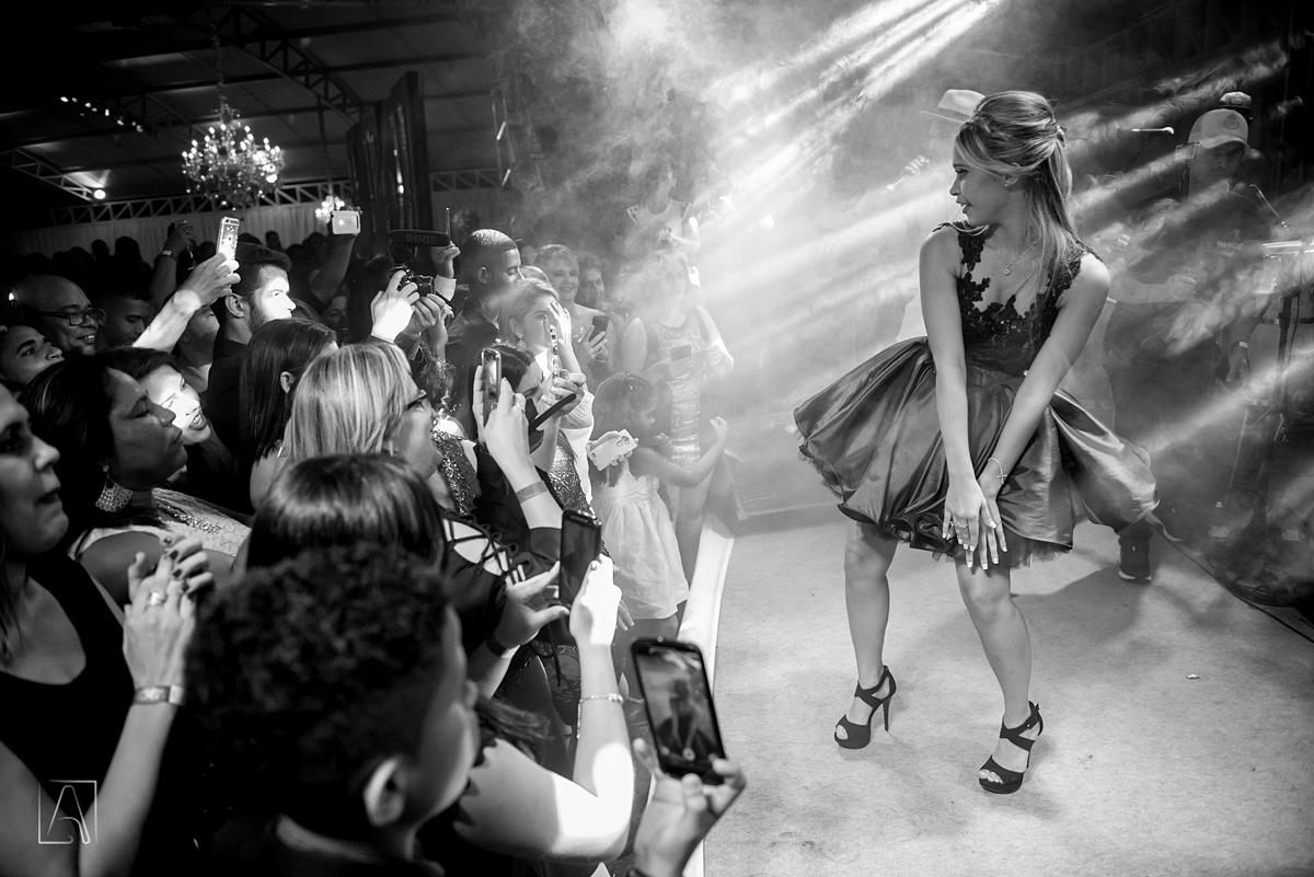aniversariante dançando