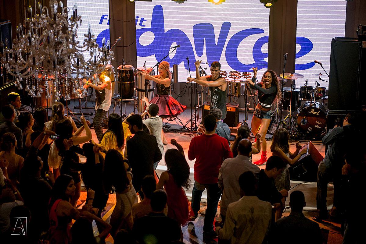 dançarinos do Fit Dance Team