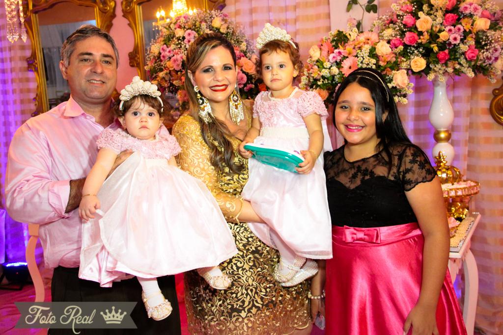 Foto de A FESTA DAS PRINCESAS HELLENA E HELLOÍSA