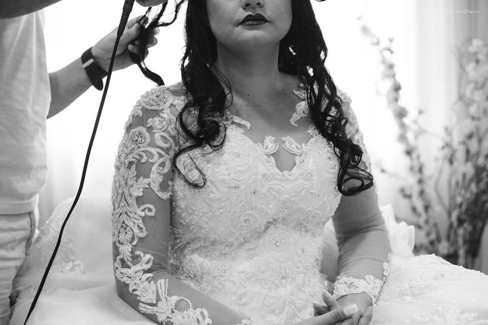 Detalhes do vestido de casamento da noiva Aline