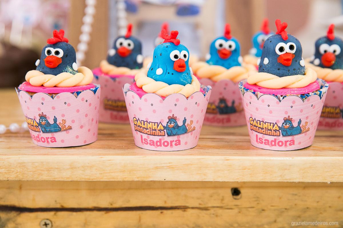 doces para festa infantil com o tema galinha pintadinha