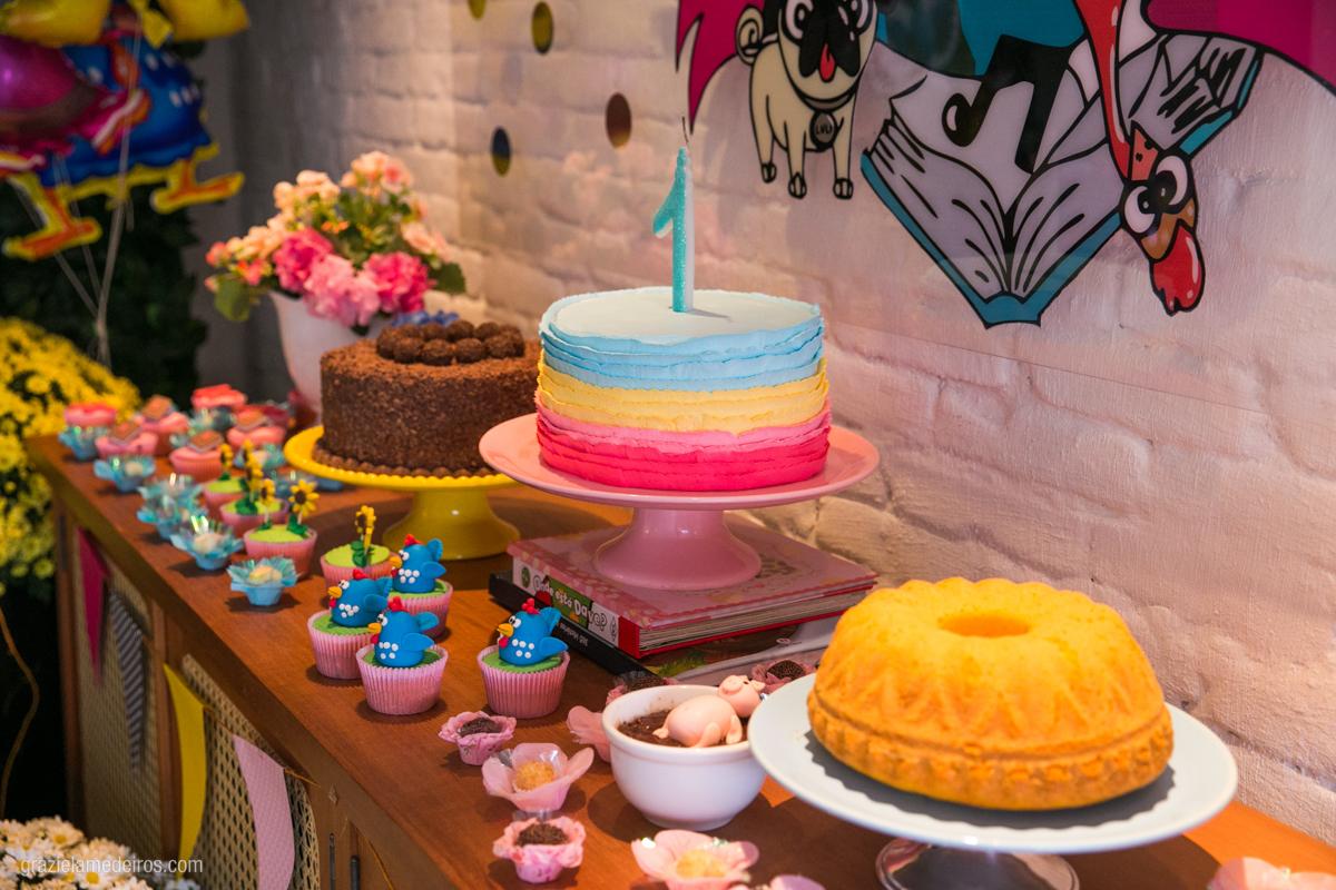 mesa do bolo em aniversario infantil em guaxupe