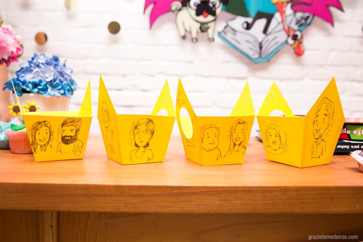 caricaturas da familia em decoracao de aniversaio infantil em guaxupe