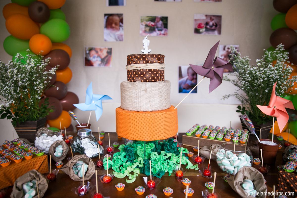 fotografia da decoraçao de aniversario de um ano feita em casa na cidade de Itamogi-MG