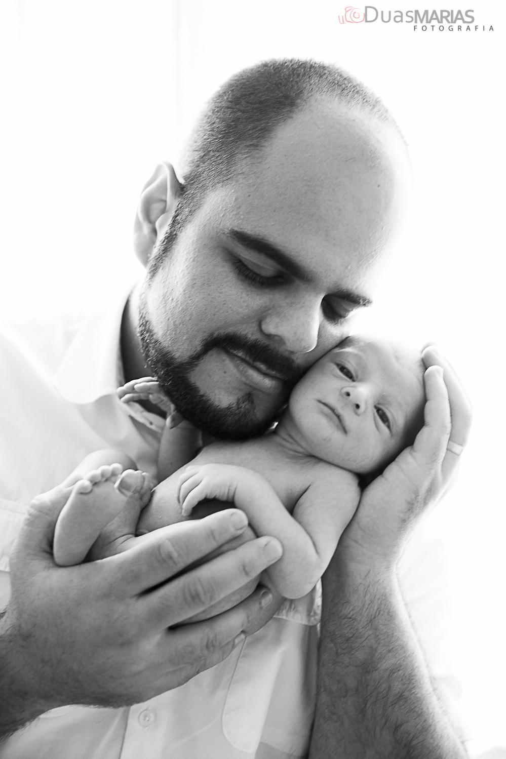 Pai e Filho, ensaio de recém nascido, newborn, realizado por Duas Marias Fotografia,