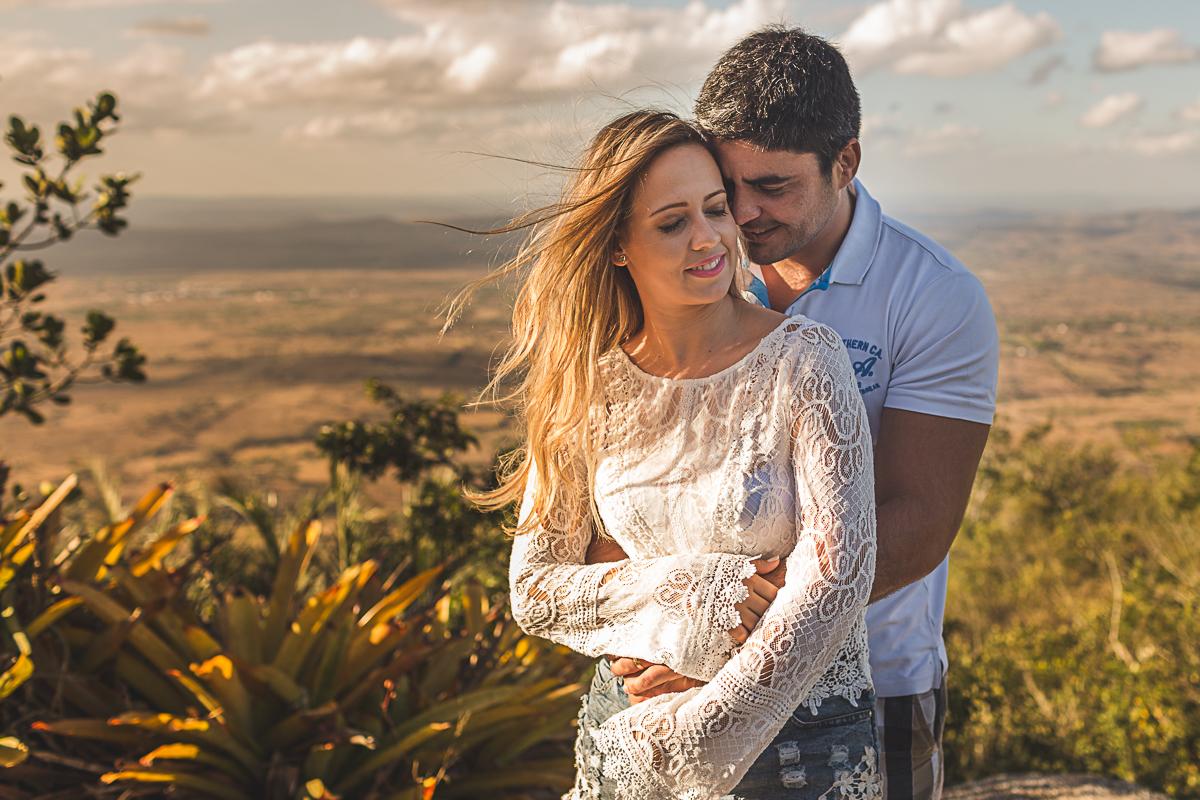 ensaio casal, pre wedding, wedding, casamento emelly e renato, serra negra, love, amor, lifestyle, por do sol, sunset, happy, natureza, fotografia casal