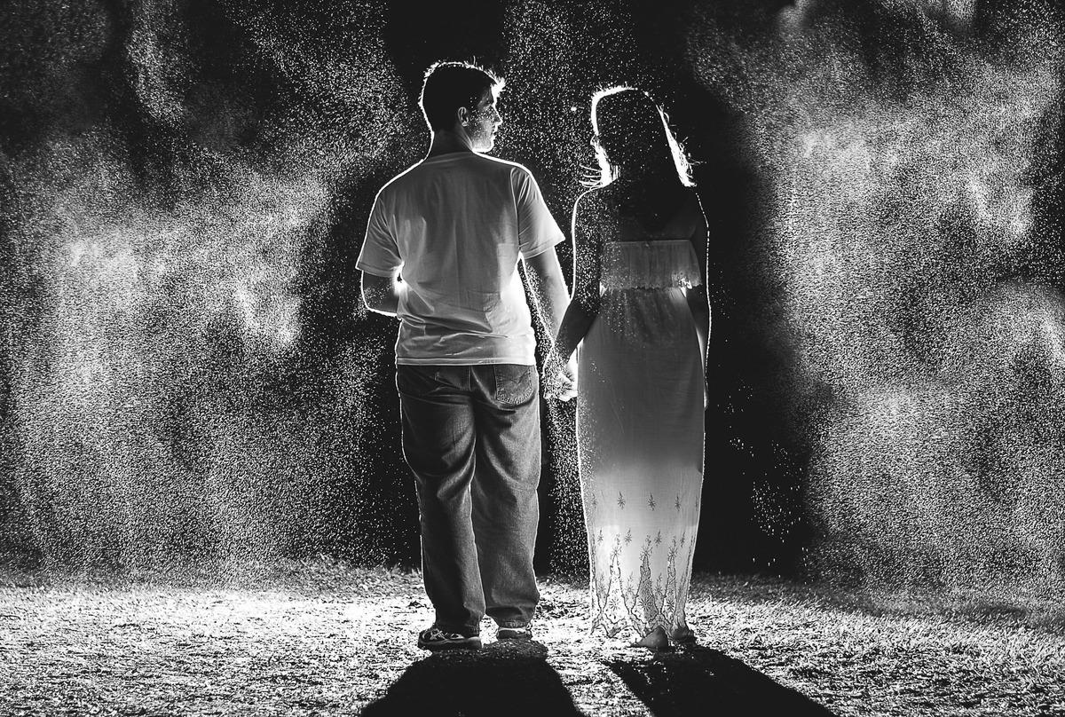 Neto Oliveira fotografia pré wedding Lauanda e Danilo ensaio de casal ensaio na chuva