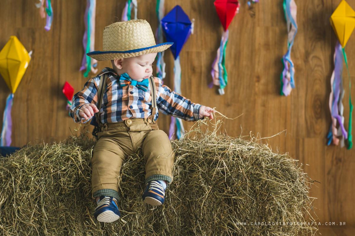 ensaio infantil, joinville, ensaio criança. criança, carol costa fotografia, carol costa, fotografia, acompanhamento infantil, festa junina, ensaio caipira