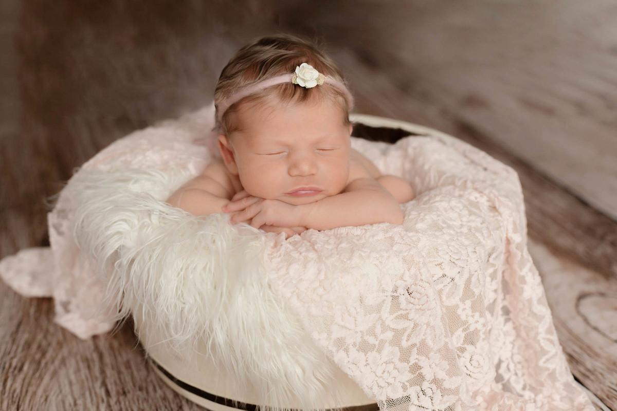recém nascida Giulia em seu ensaio fotográfico em são paulo