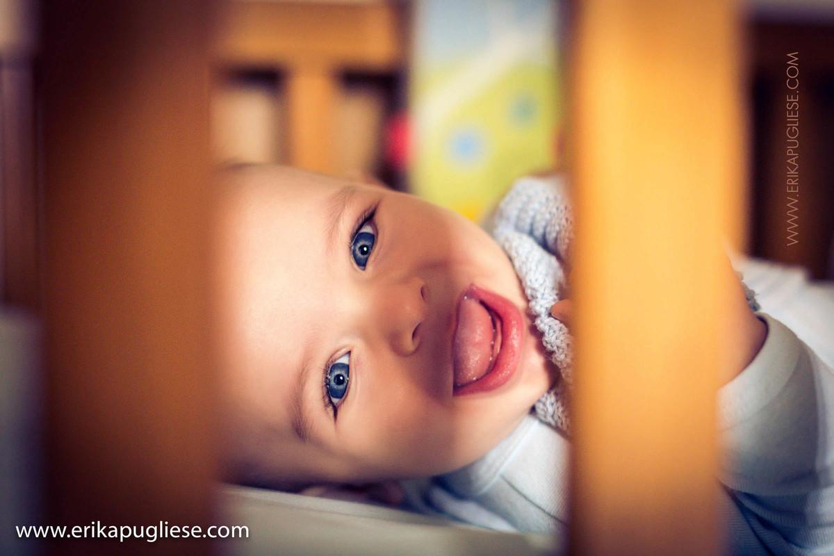 olhos brilhantes do bebê Gabriel ensaio de família