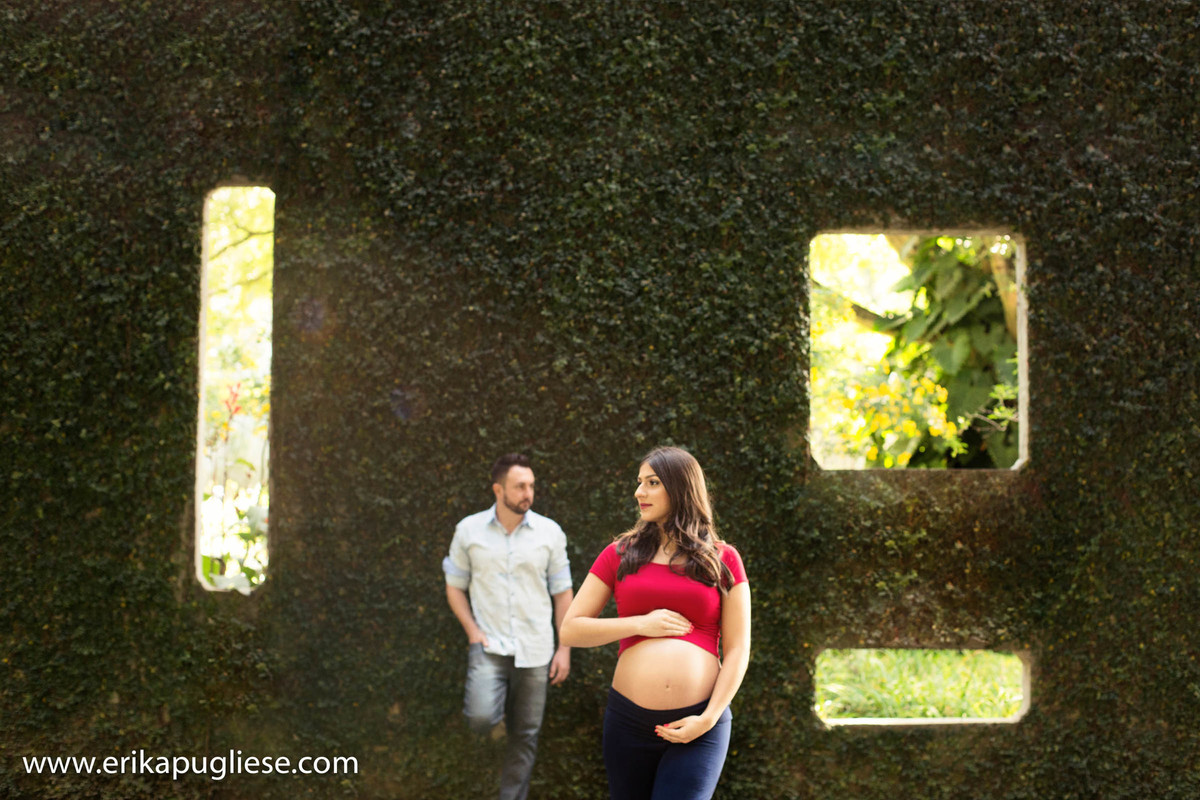 Erika Pugliese fotografa sua amiga gestante no parque Burle Marx