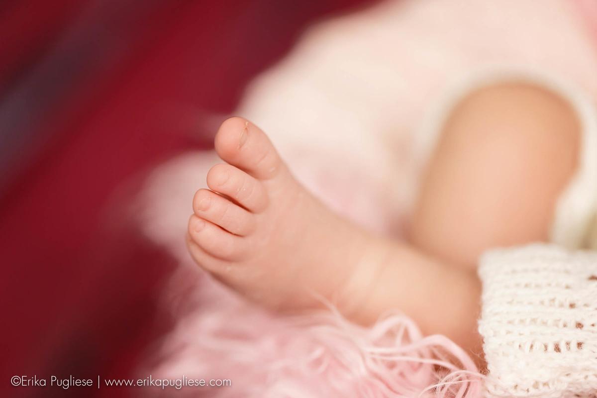 pé lindo da clara. detalhe no seu ensaio newborn