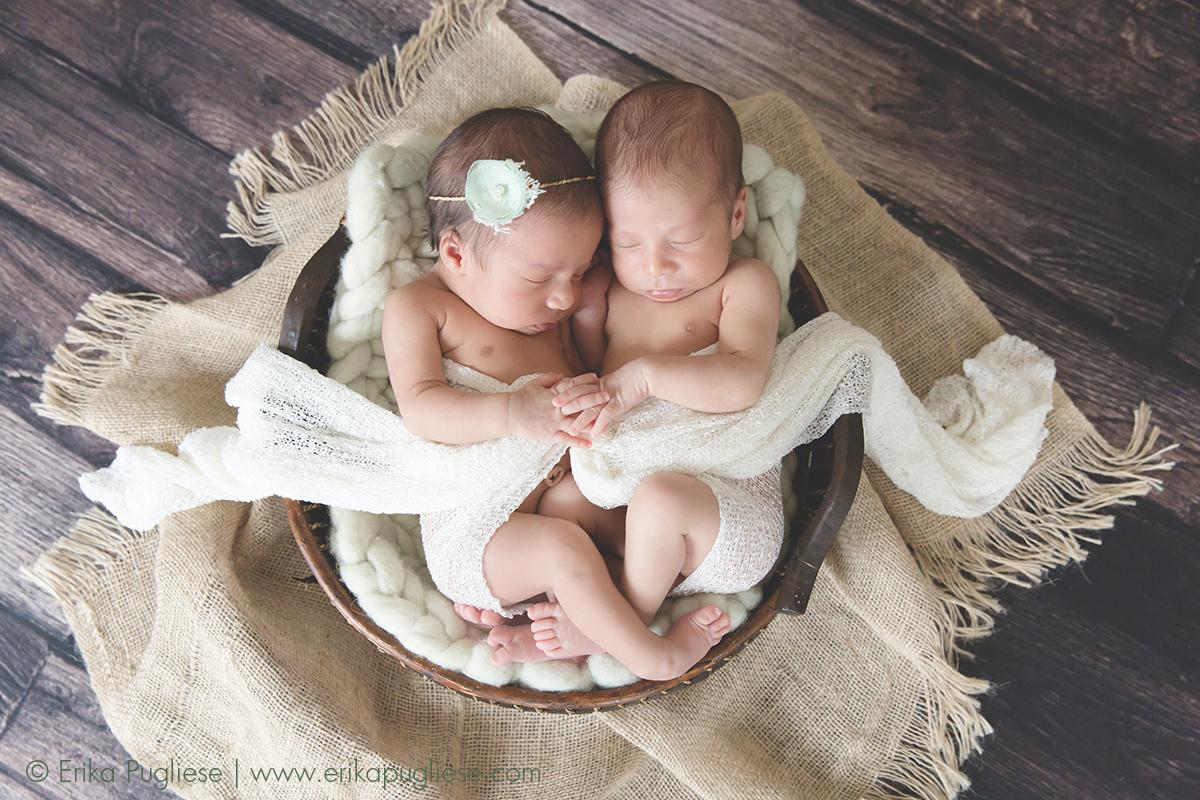 Sempre e para sempre. Newborn dos gêmeos Duda e Davi.