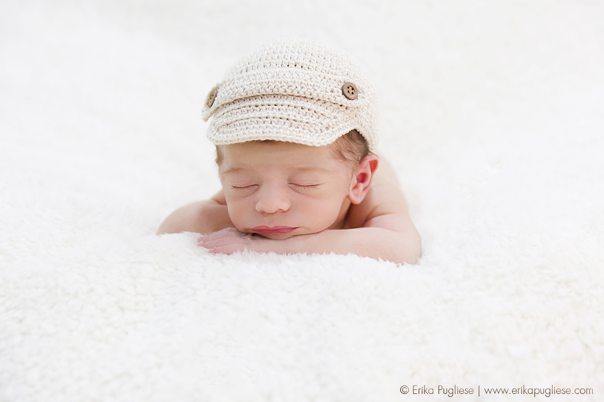 Ensaio Newborn do Rafael. Que homenzinho que fotografa bem