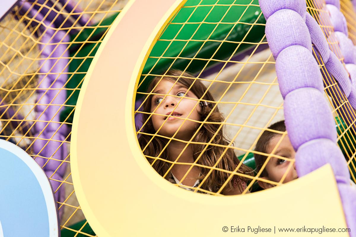 Aniversário Infantil - Sofia e Olívia.Fotografia de evento Sosso brincando e se acabando