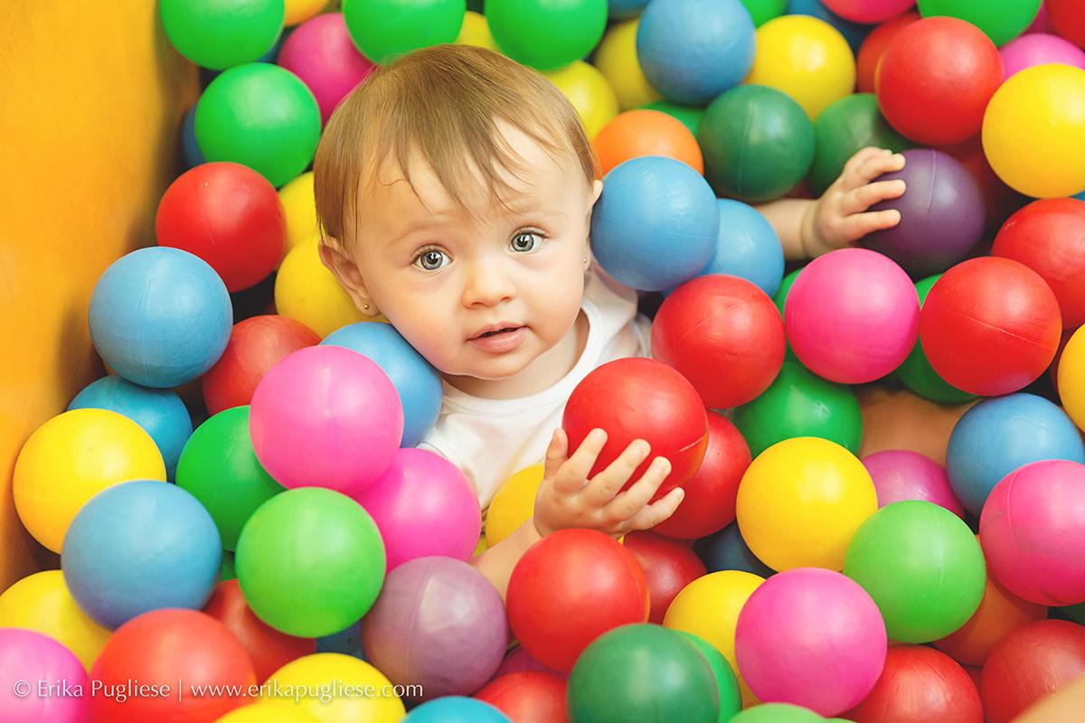 Aniversário Infantil  Fotografia  Laura - 1 ano Piscina de bolinha é tudo de bom