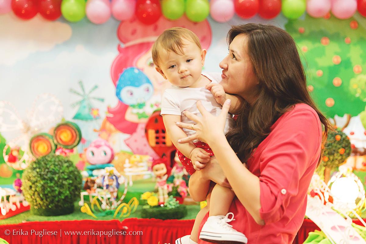 Dá vontatde de chuchar no café de tão fofa Aniversário Infantil Laura - 1 ano