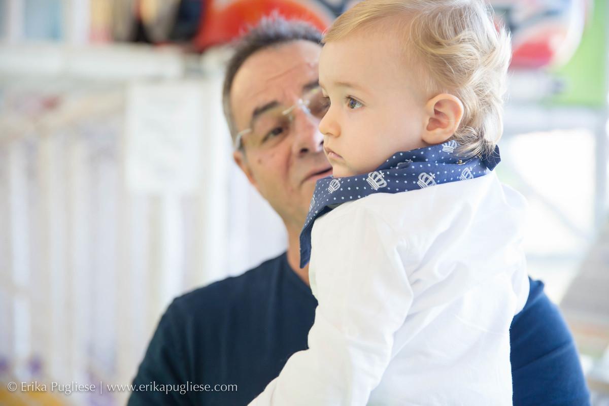O vovô mima muito o netinho fotografado por Erika Pugliese