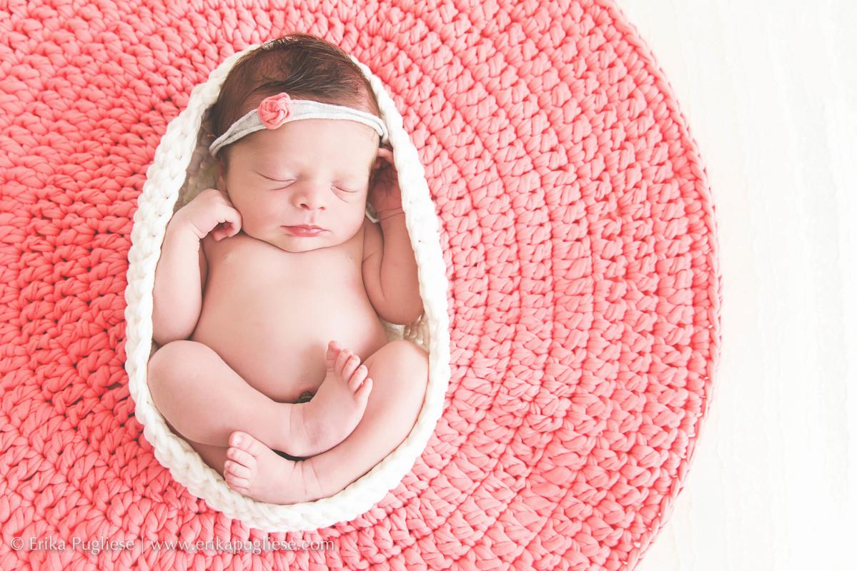 Pontopetit aqui com sua layer linda no ensaio de newborn da Malu.