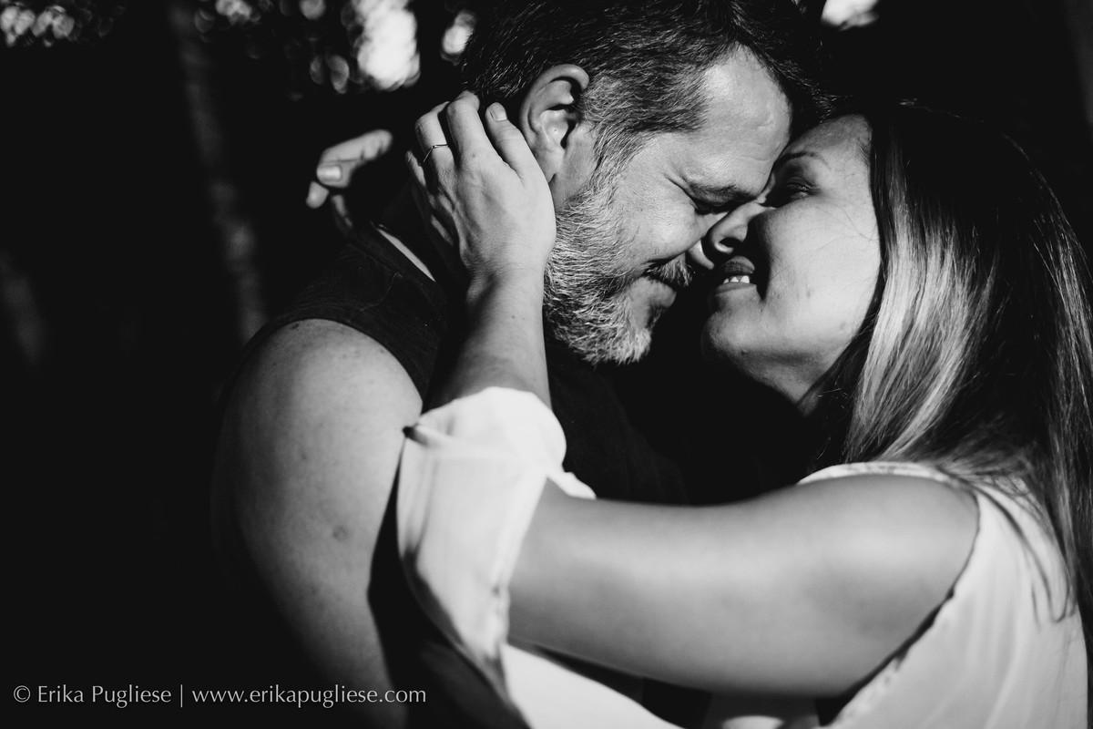parece um coração. fotografia de casal