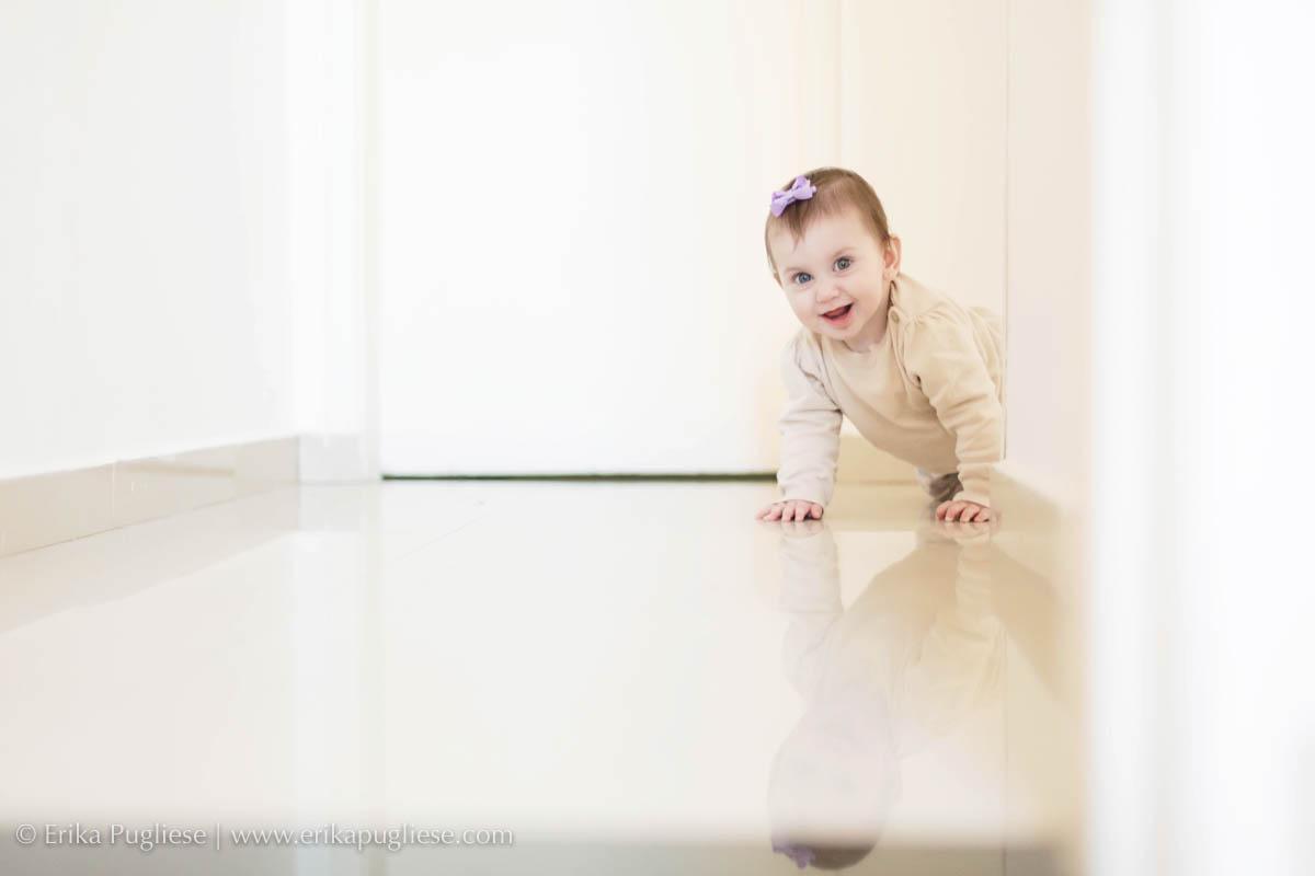 Cadê o bebê. Lorena se esconde durante as fotos